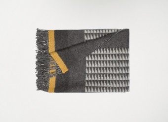 Begg-Plaid-Valley-Vector-Grey-Ochre